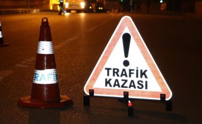 Şanlıurfa'da kamyonet ile otomobil çarpıştı: 5 yaralı
