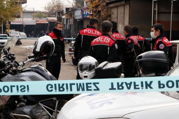 Şanlıurfa'da bıçaklı kavgada iki kardeş yaralandı