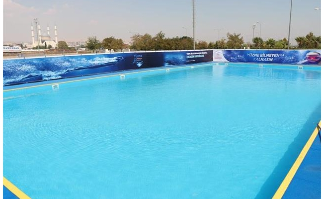 Akçakale'de Yüzme Havuzu Kuruluyor