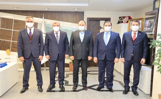 Gülpınar, Belediye Başkanlarıyla Bir Araya Geldi