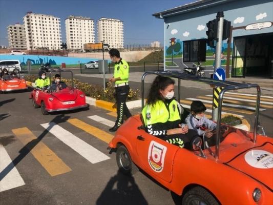 Koruma altındaki çocuklara uygulamalı trafik eğitimi