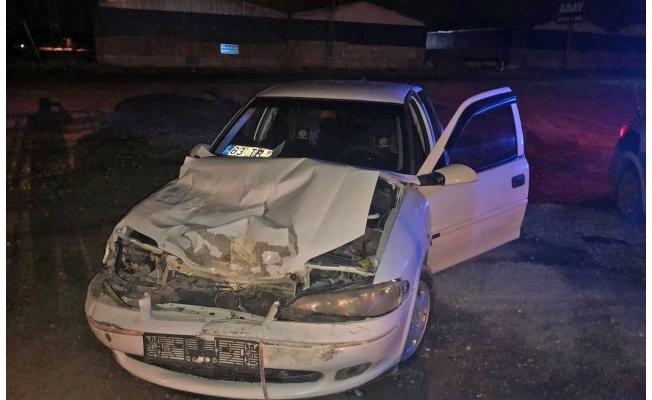 Şanlıurfa'da otomobil ile kamyonet çarpıştı: 3 yaralı