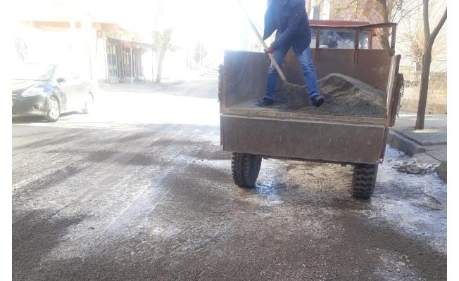 Viranşehir'de tuzlama çalışması