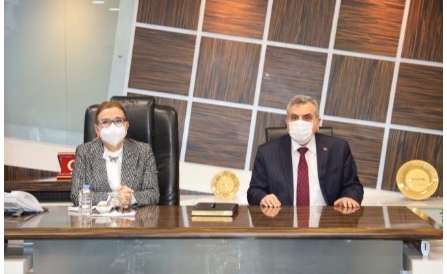 Bakan Pekcan, Başkan Beyazgül'ü ziyaret etti