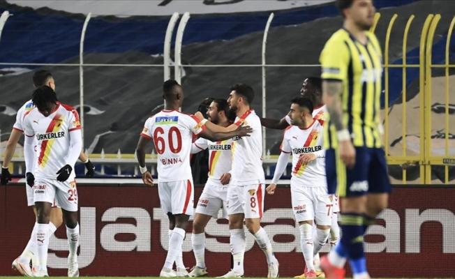 Fenerbahçe evinde yaralandı