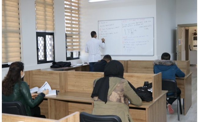 Karaköprü'de öğrencilere matematik desteği