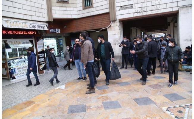 Şanlıurfa'da kaçak cep telefonuna 10 gözaltı