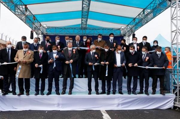 Bakan Karaismailoğlu Köprülü Kavşak Açılışında Konuştu