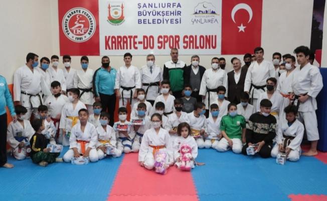 Başkan Beyazgül Karate Yapan Gençlerle Bir Araya Geldi