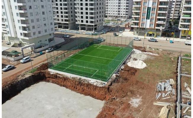 Canpolat ile Karşıyaka'da projeler bir bir yükseliyor