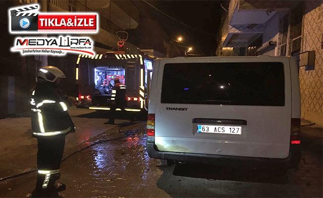 Eyyübiye'de minibüs kundaklandı