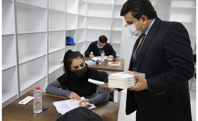 Gençlere Mehmet Akif Ersoy Kitabı