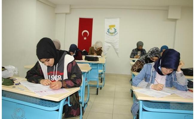 Haliliye'de gençler geleceğe hazırlanıyor