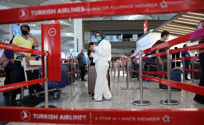 Türkiye'ye uçuşu bulunan yolculara 'Türkiye'ye Giriş Formu' uyarısı