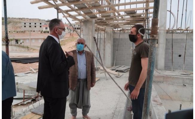 Eyyübiye'de yüzme havuzu inşaatı sürüyor