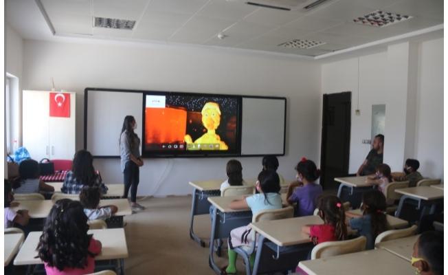 Çocuklar müzeleri sanal ortamda gezdi