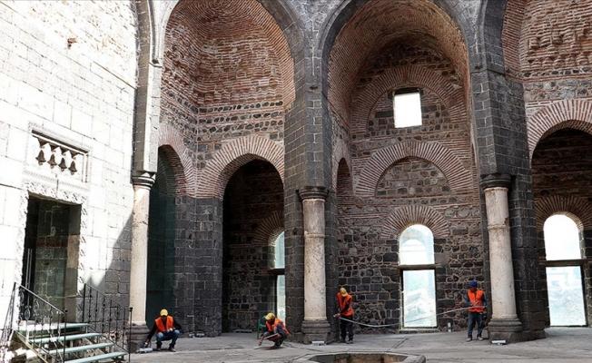 Diyarbakır'da 1800 yıllık Kilise onarılıyor