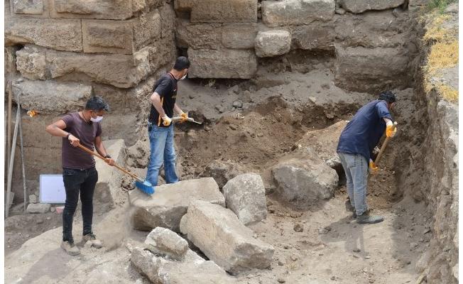 Harran'da kazılar özel izinle kısıtlamalı günlerde de sürdürülüyor