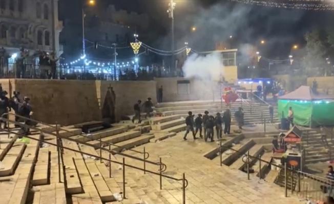 İsrail polisi Filistinlilere müdahale etti