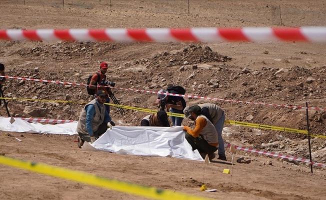 DEAŞ'ın katlettiği 500 kişilik iki toplu mezar bulundu