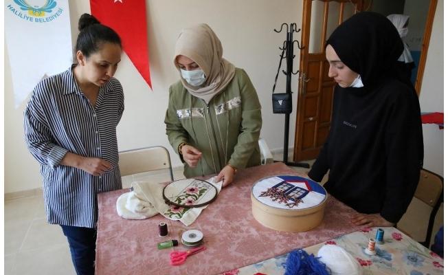 Haliliye'de emek sanata dönüşüyor