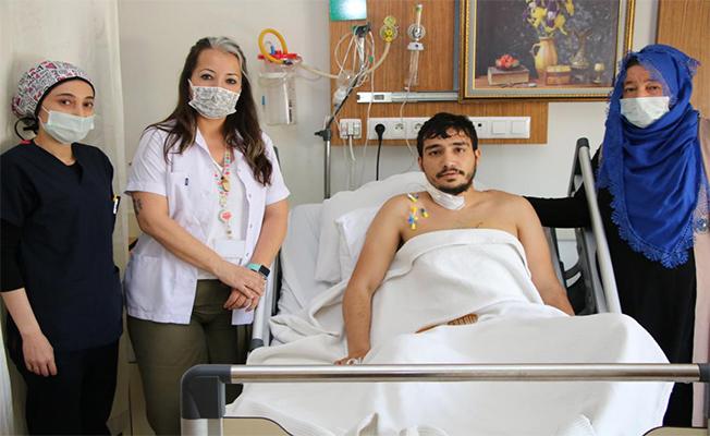 Bıçakla yaralanma sonucu kalbi duran hasta hayata döndü