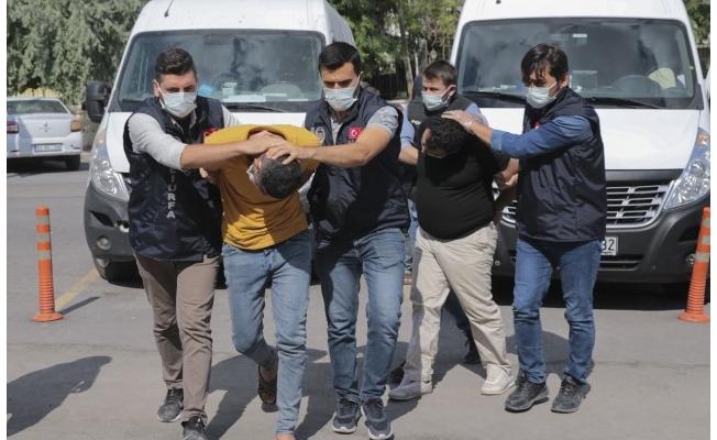 Polislere ateş açan zanlılar tutuklandı