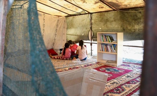 Tarım işçilerinin çadırları kitaplıkla buluşuyor