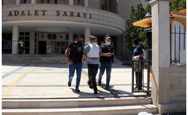 Avukat ve kardeşinin firari cinayet zanlısı tutuklandı