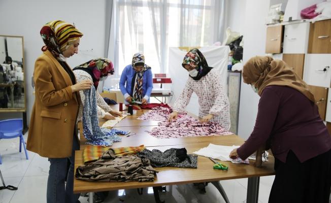 Kadınlar Haliliye Belediyesi ile meslek sahibi oluyor
