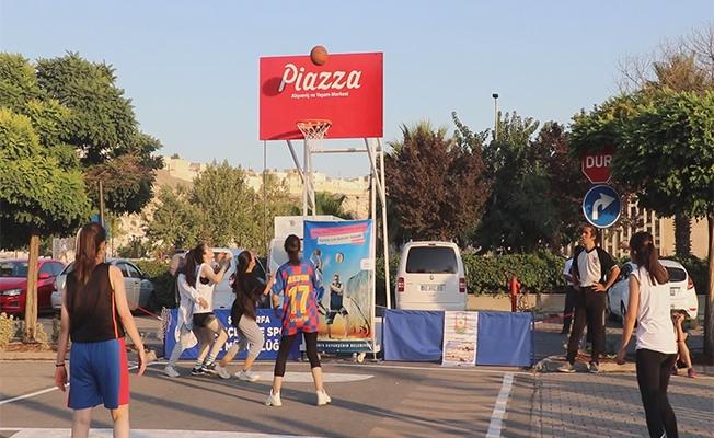 Piazza AVM'de Plaj Voleybolu ve Sokak Basketbolu Turnuvası