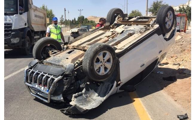Şanlıurfa'da iki otomobil çarpıştı: 9 yaralı