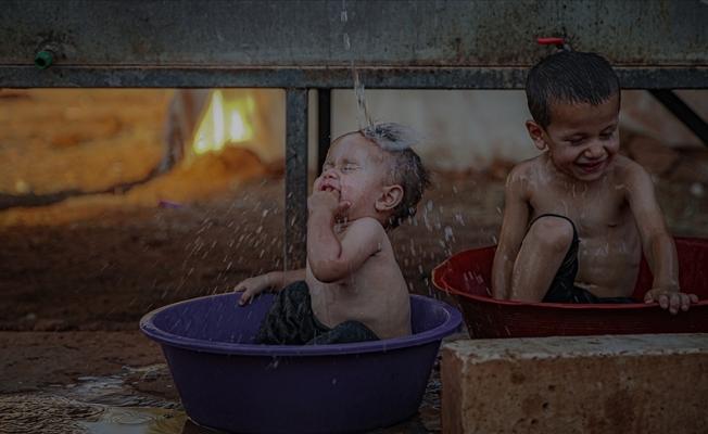 Suriye'de yaşayan siviller aşırı sıcaklarla mücadele ediyor