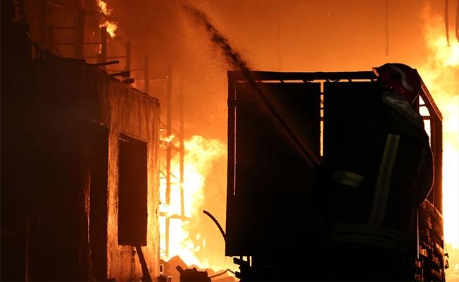Gaziantep'te Boya Fabrikası Yangını