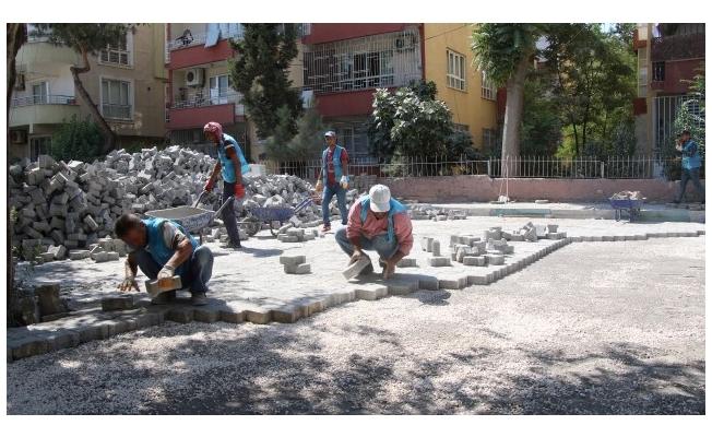 Haliliye'deki iki mahallede beton parke çalışması