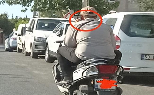 Hem kendi hayatını hem trafiği tehlikeye soktu