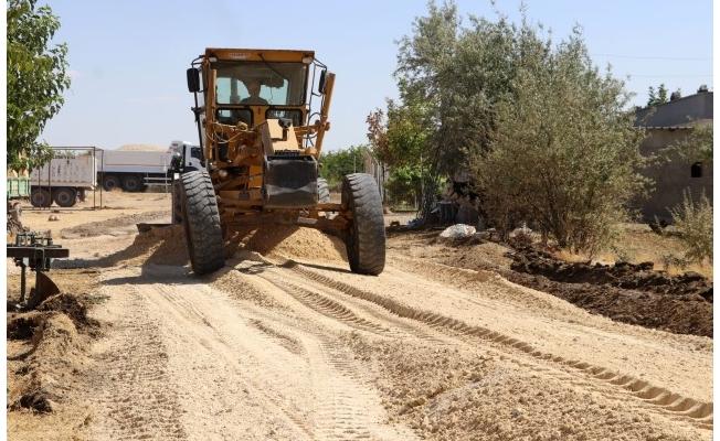 Karaköprü kırsalında yollar yenileniyor
