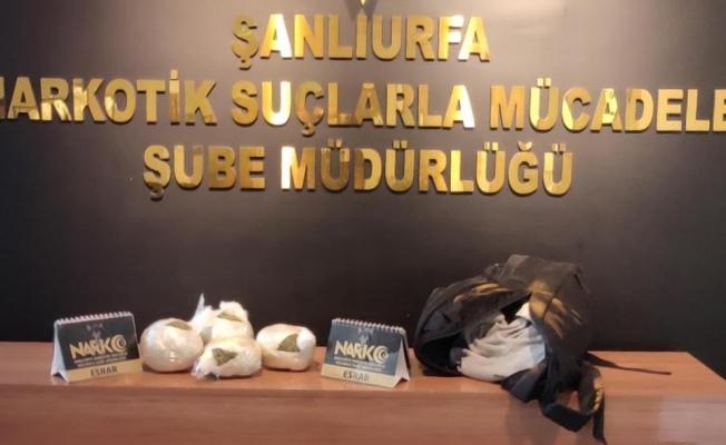 Şanlıurfa'da iki otomobilde uyuşturucu ele geçirildi