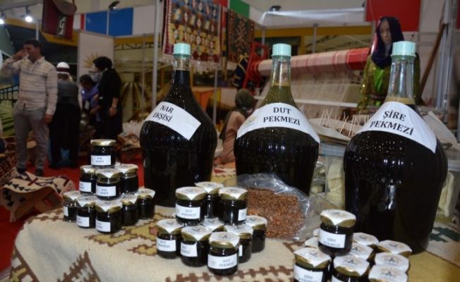 Siverek'in yöresel ürünleri fuarda sergileniyor