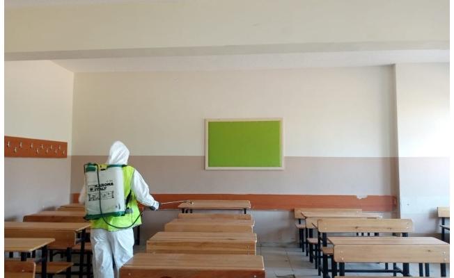 Viranşehir'de okullar dezenfekte edildi