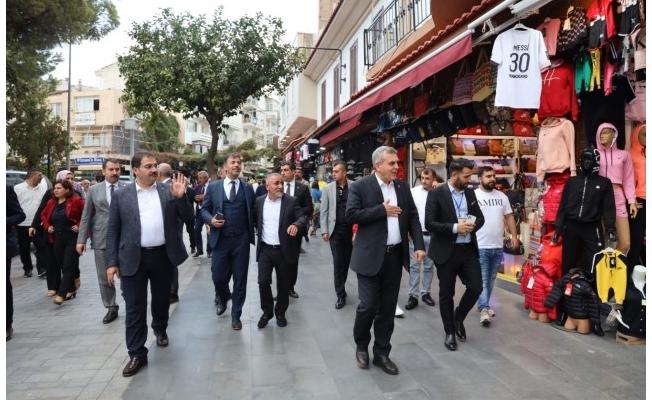Başkan Beyazgül İzmir'de Urfalı esnaflarla buluştu