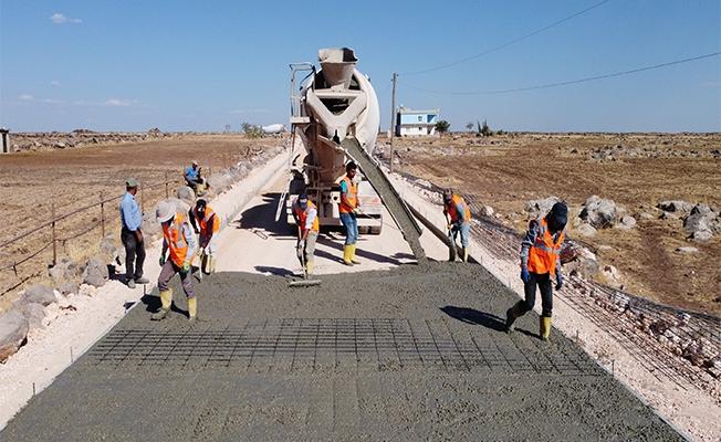 Büyükşehir'den Hilvan'da Çelik Hasırlı Yol Uygulaması