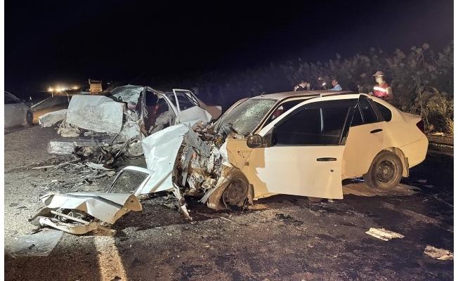 Şanlıurfa'da iki otomobilin çarpıştı: 2 kişi öldü