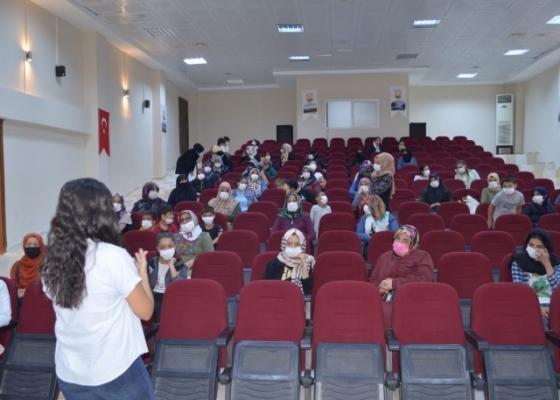 Şanlıurfa'da kursiyerlere Covid-19 bilgilendirmesi