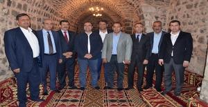 Belediye Başkanları Siverek'te Toplandı