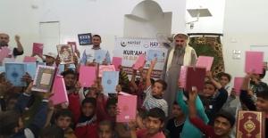 Cerabluslu Çocuklara Kur'an-ı Kerim Dağıtıldı