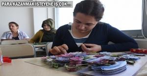 """Ev Hanımları """"Kağıttan"""" Para Kazanıyor"""