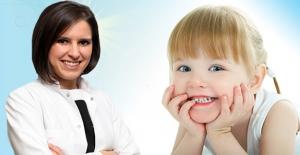 İlk Diş Muayenesi Ne Zaman Olmalı ?