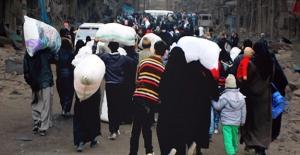 Halep Halkı Tahliye Edilmeyi Bekliyor