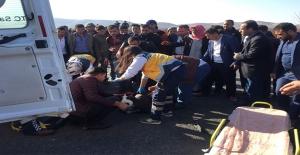 Akçakale Yolunda Motosiklet Devrildi: 1 Yaralı